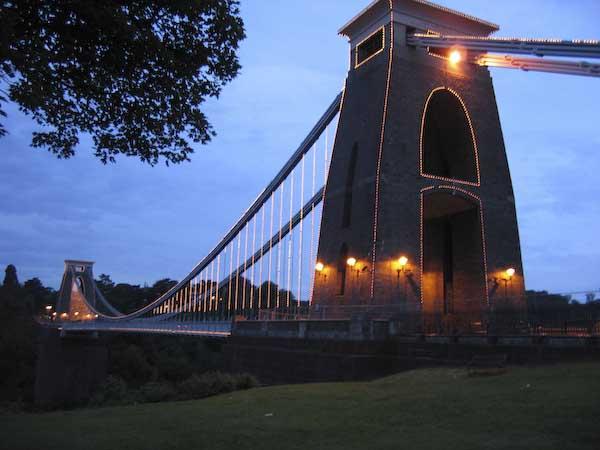 bro över Avon