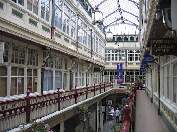 shoppingarkad i Cardiff